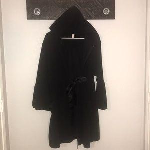 VGUC Lane Bryant Bell Sleeve Size 14/16 Robe